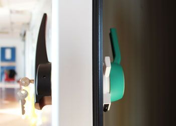 maneta puerta pivotante frigoríofica